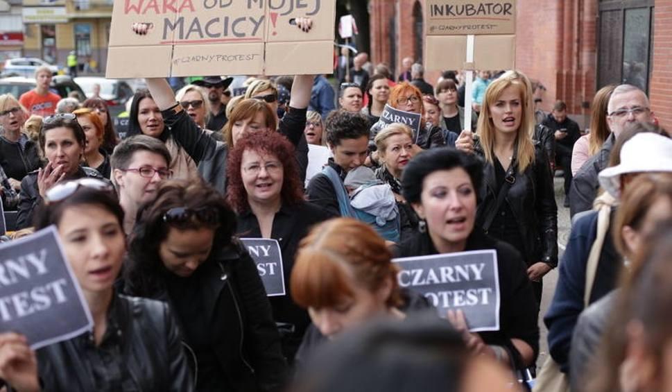 Film do artykułu: Czarny Protest. Kolejna manifestacja w Słupsku