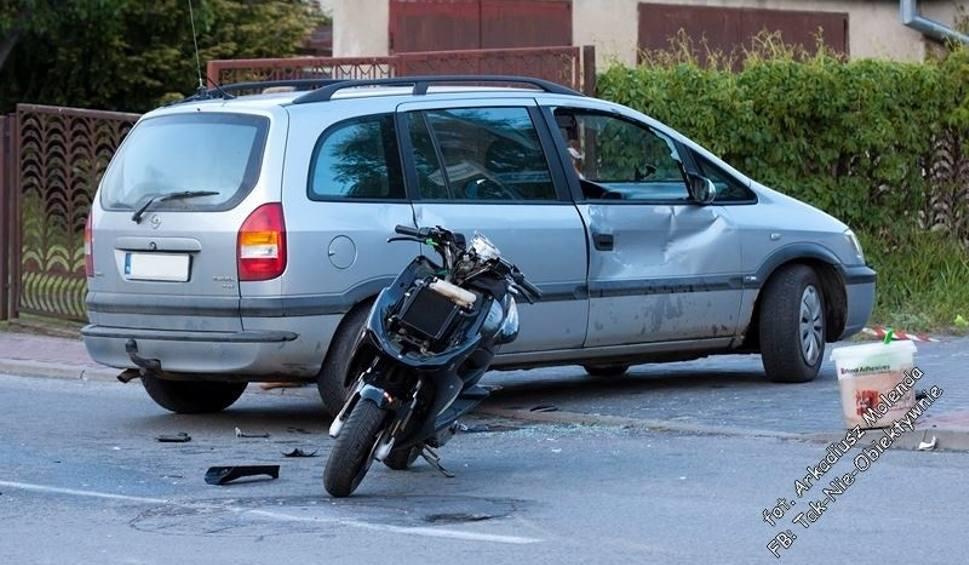 Film do artykułu: Wypadek w Kozienicach. Kierowca opla wymusił pierwszeństwo