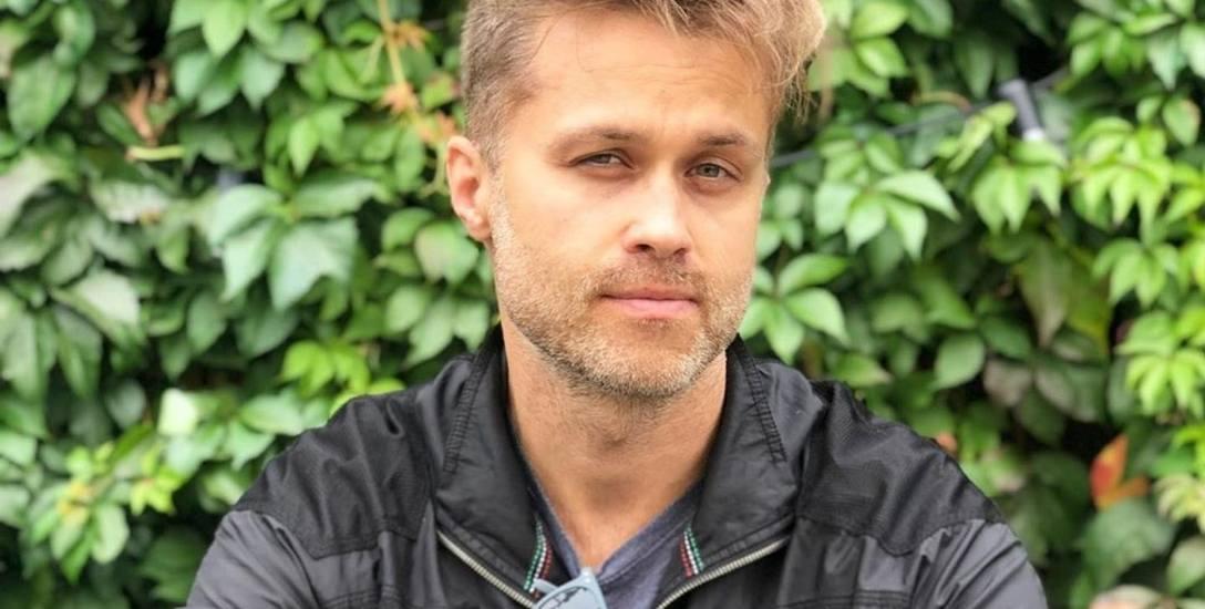 Maciej Zakościelny zachowuje balans między ojcostwem i aktorstwem