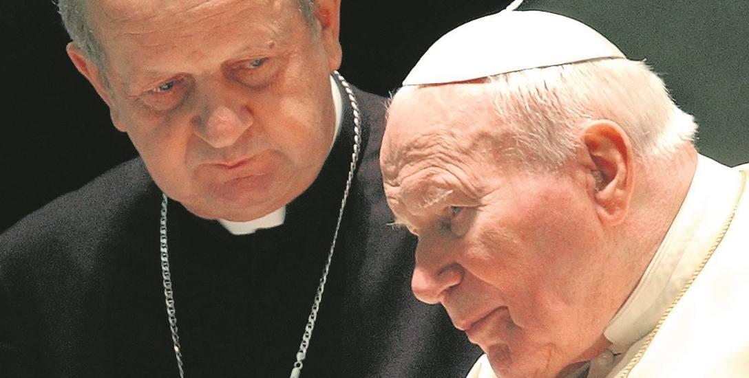 Kard. Stanisław Dziwisz przez 40 lat stał u boku Karola Wojtyły - biskupa, kardynała i papieża
