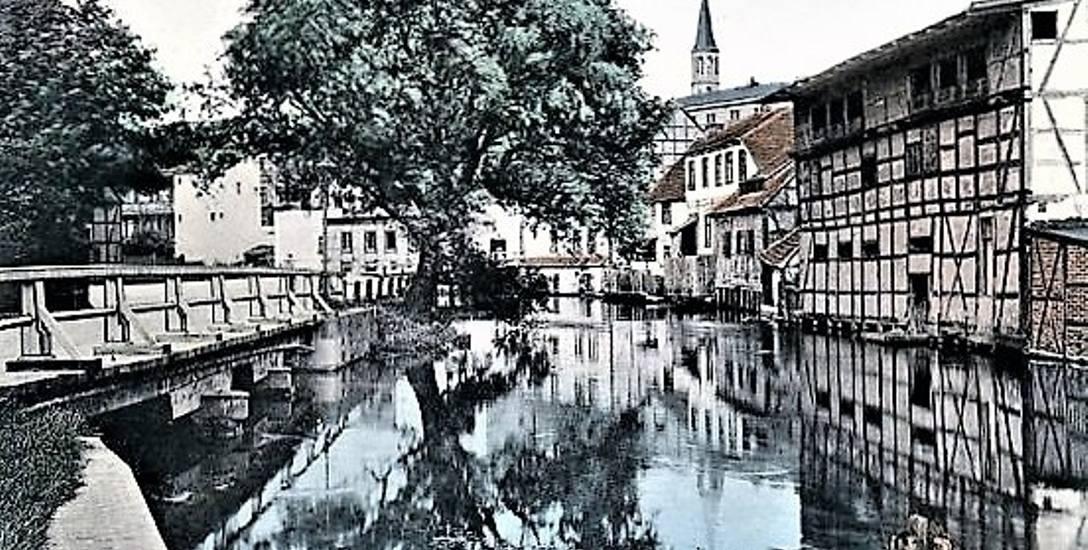 Co dziś polecają portale turystyczne do zwiedzania w Bydgoszczy, a co polecał pierwszy polski przewodnik po mieście?