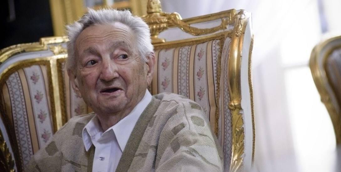 Marek Edelman otrzymał tytuł Honorowego Obywatela Miasta Łodzi.