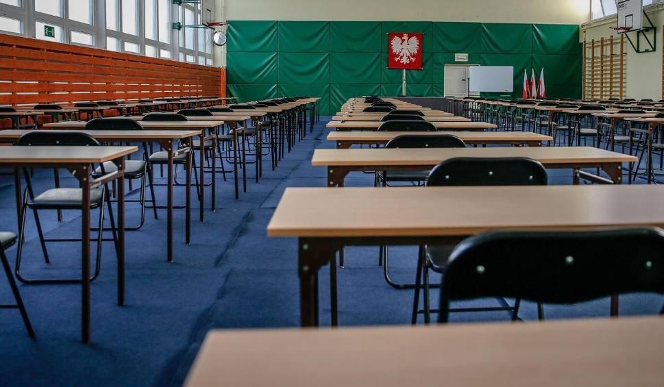 Film do artykułu: Matura 2020 i egzamin ósmoklasisty 2020 zostały przełożone. Nowy termin to czerwiec - poinformował premier Mateusz Morawiecki 9.04.2020