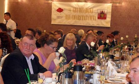 Na balu charytatywanym bawiło się 100 osób