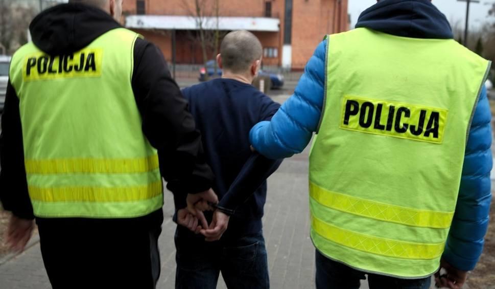 Film do artykułu: Policja zatrzymała mężczyznę podejrzanego o napad na sklep w Bydgoszczy