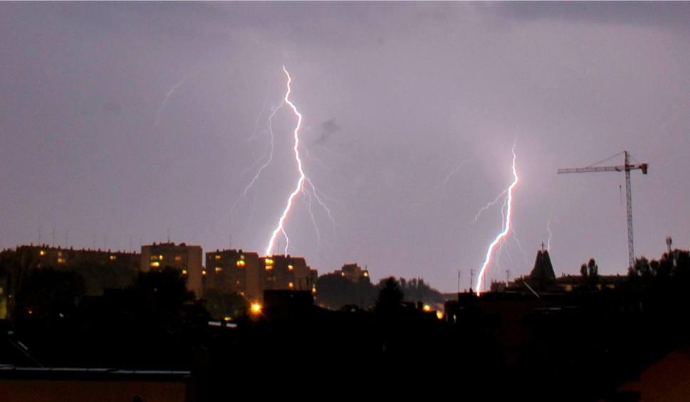Film do artykułu: Gdzie jest burza? Pogoda na czwartek, 17 sierpnia. Uwaga na burze!