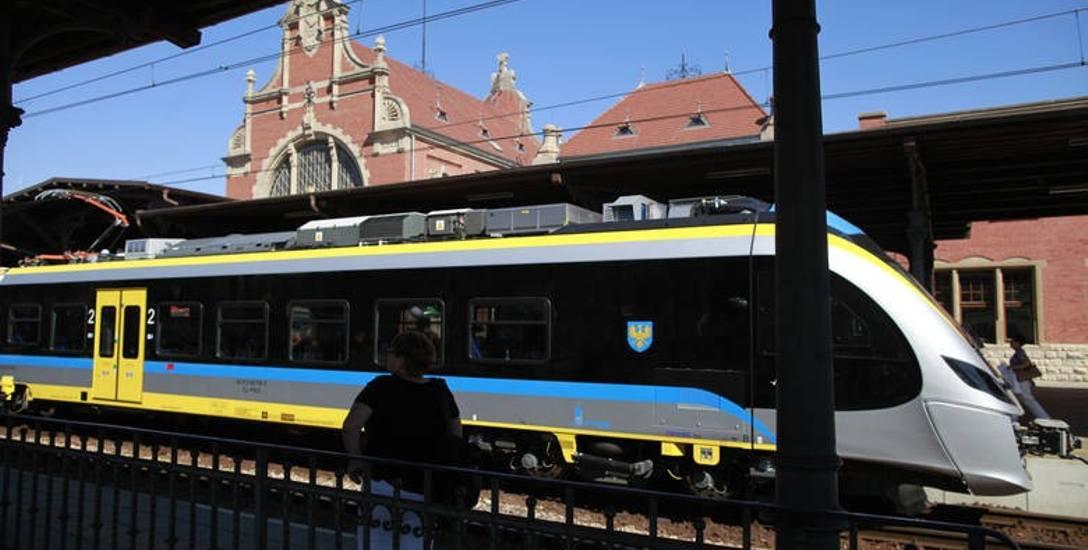 Do tej pory województwo opolskie odebrało pięć składów typu Impuls, które obsługują trasę pomiędzy Kędzierzynem-Koźlem i Raciborzem oraz Kędzierzynem-Koźlem,