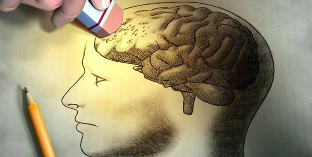 W diecie chorego na alzheimera niezwykle istotne są również witaminy A, C, D, składniki mineralne, takie jak magnez, selen, wapń, żelazo, a także białka