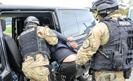 Sąd aresztował 35-letniego obywatela Bułgarii, mieszkańca Szwajcarii. Jego ofiarę, 33-letnię lubuszankę odbijała fundacja La Strada i francuska policja.
