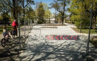 Park, ze względu na remont, jest zamknięty dla mieszkańców Bydgoszczy od zeszłego roku. Ten etap prac ma się skończyć w tym roku. Potem jednak czeka