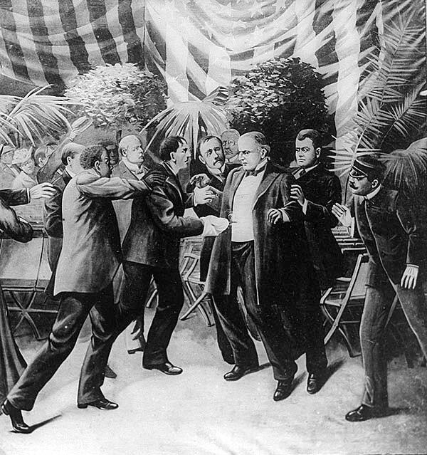 Rysunek przedstawiający atak Czołgosza na McKinleya