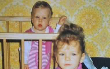 Początek lat 90. - z siostrą Urszulą, jeszcze w łóżeczku