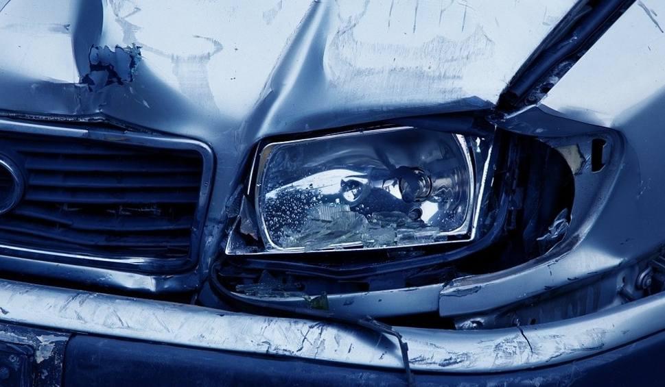Film do artykułu: W Koronowie kierowca wjechał prosto w mur - zginął na miejscu