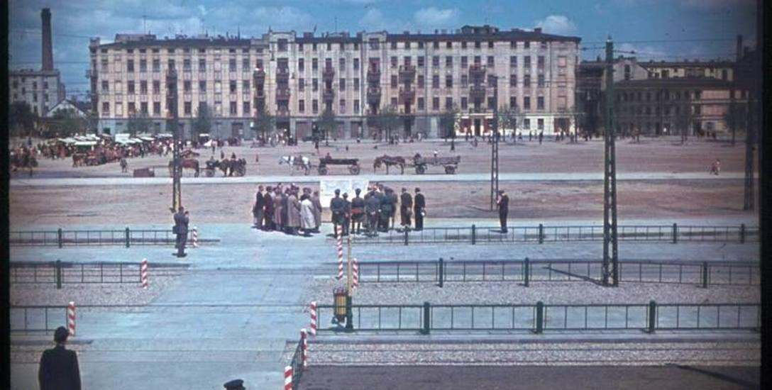 Uroczyste otwarcie pętli tramwajowej na Placu Niepodległości, które miało miejsce w czerwcu 1943 roku.