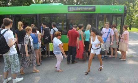 Poznań bez PST: Tłumy na przystankach autobusowych