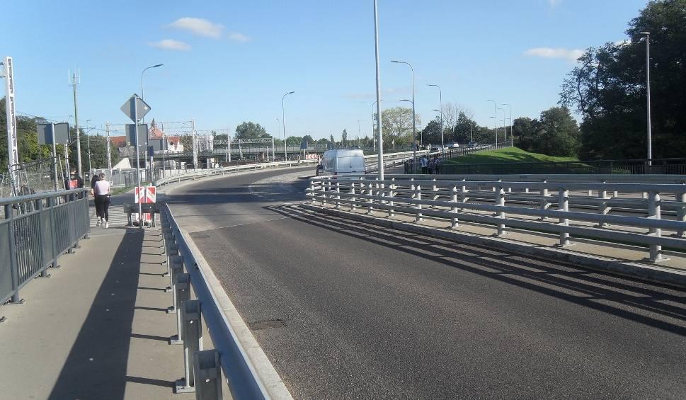 Film do artykułu: Zakończyły się prace na starym moście w Ustce. Nawierzchnia została wymieniona