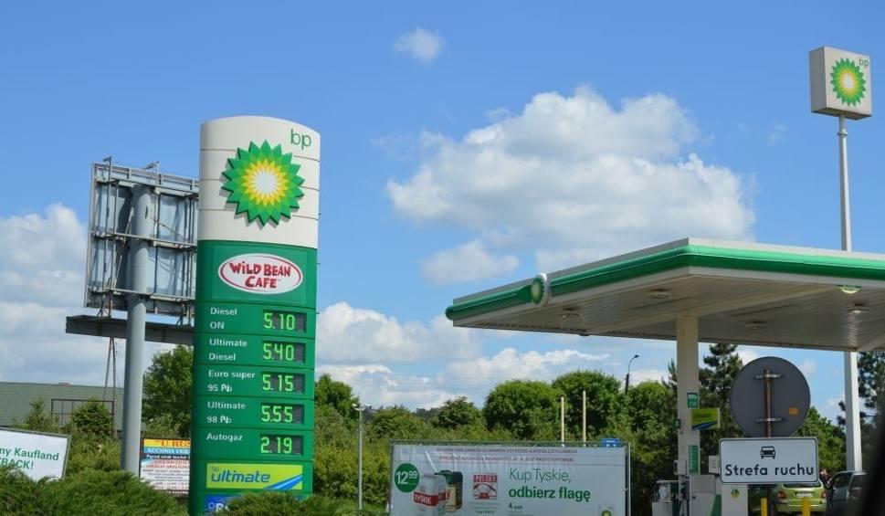 Film do artykułu: Ile kosztuje tankowanie w Skarżysku? Zobacz ceny w naszym regionie [LISTA]
