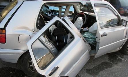 DK 63: Wypadek. Kobieta i dwoje dzieci w szpitalu (zdjęcia)