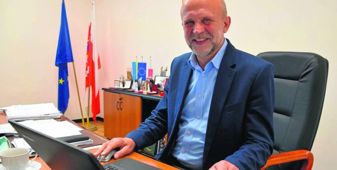 Starosta szczecinecki Krzysztof Lis zaprzecza plotce, jakoby CBA zabrało jego komputer, mówi, że agentów interesowały kwestie własności gruntów w kopalni