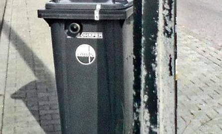 Policjanci ukryli fotoradar w śmietniku! Przez dwa dni ustrzelił 1300 kierowców i zarobił 260 tys. zł!