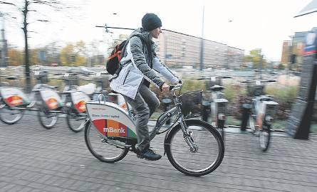 Rowery na stacjach będą ustawiane już od jutra. Cały system rowerowy ruszy o północy w nocy z wtorku na środę