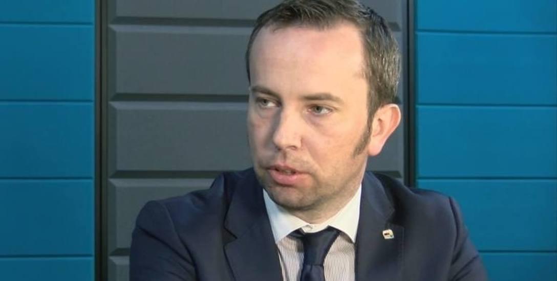Rafał Bartek z Mniejszości. To właśnie o jego kandydaturę jest cała awantura.