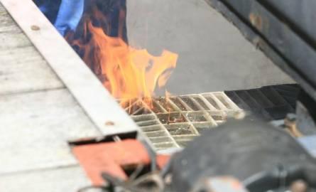 Świnoujście: Kraksa trzech samochodów. Laweta się zapaliła