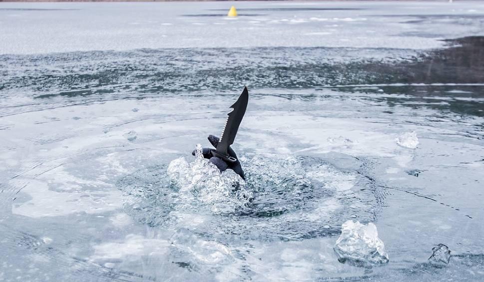Film do artykułu: Po co saperom noże podczas szkolenia pod lodem? [ZDJĘCIA]