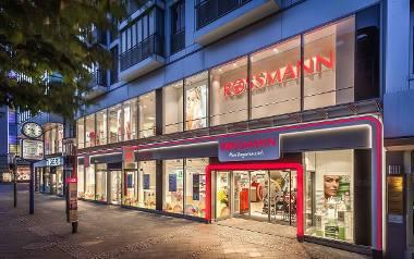 Promocja Rossmann -55% na kolorówkę! Kosmetyki do makijażu kupisz o wiele taniej!