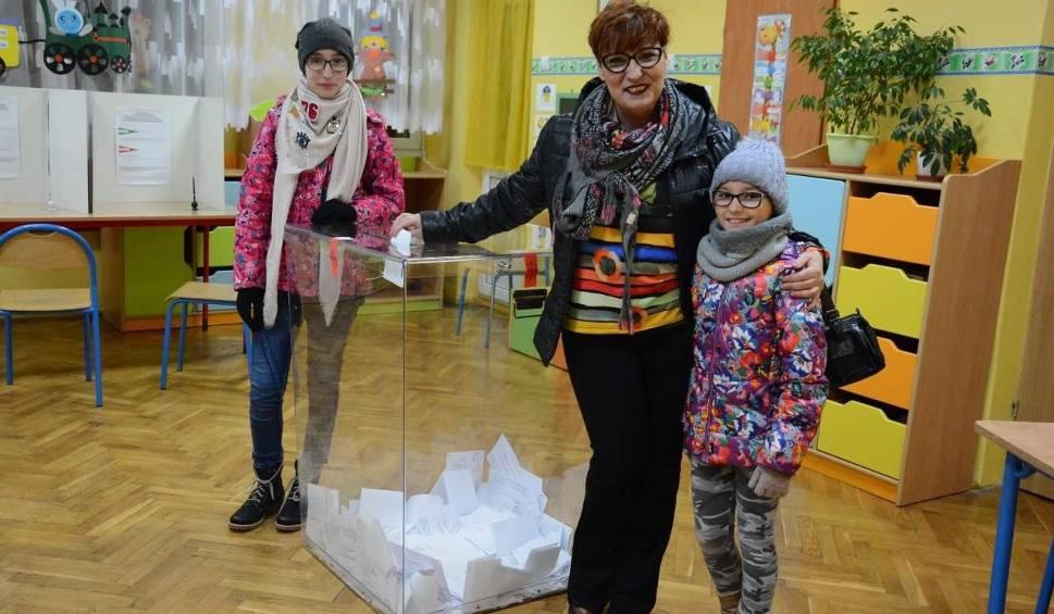 Film do artykułu: Wybory samorządowe 2018. Niska frekwencja w powiecie drawskim. Głosowanie odbywało się bez incydentów