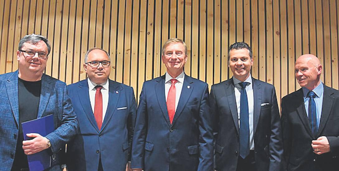 Uczestnicy debaty: Jan Kazmierz Czubak, Mariusz Janas, Andrzej Wężyk, Mariusz Wołosz,  Marek Michałowski