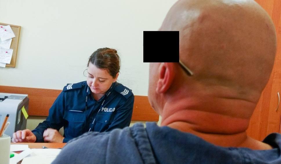 Film do artykułu: 53-latek obnażał się w Gorzowie. Zatrzymała go policja