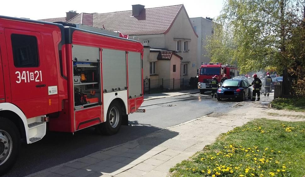 Film do artykułu: Pożar samochodu przy ul. Lelewela w Słupsku (wideo)