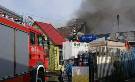 W Nowem płonęła hurtownia z farbami; nie działały hydranty