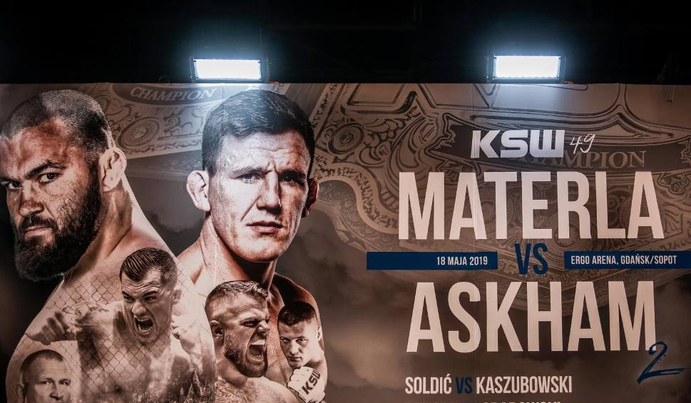 Film do artykułu: KSW 49: Materla - Askham. Transmisja na żywo PPV gali KSW. Walka wieczoru w Ergo Arenie w Gdańsku 18 maja 2019.