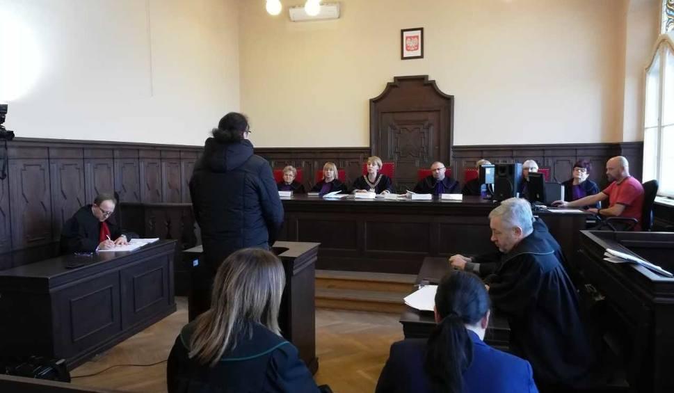 Film do artykułu: Janusz S., były szef Domaru, zeznaje jako świadek w procesie o zabójstwo pod PZU w Bydgoszczy