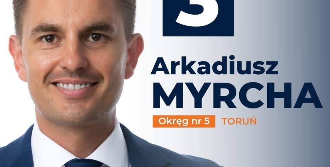 Poseł Arkadiusz Myrcha będzie musiał zmienić swoje plakaty wyborcze, bo z trójki nie wystartuje