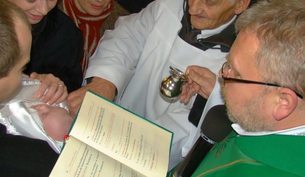 Arcybiskup Brak ślubu Rodziców To Nie Powód By Odmawiać Chrztu
