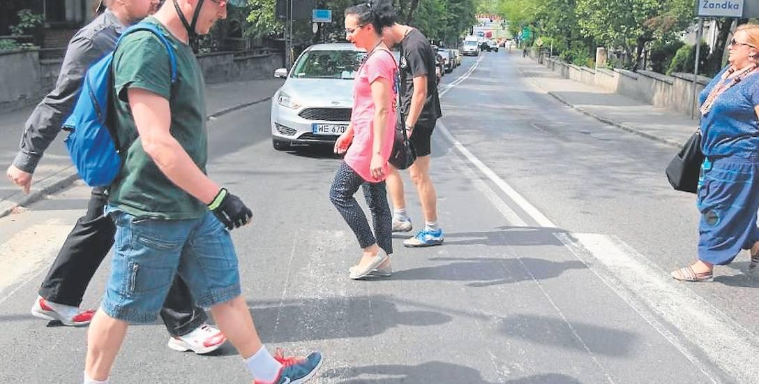 Mieszkańcy blokowali dojazd do RIPOK-u na znak protestu przeciwko uciążliwym zapachom w Zabrzu.