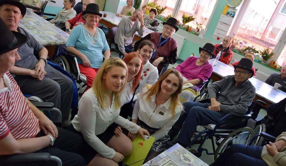 Film do artykułu: Studentki pierwszego roku pracy socjalnej AP w Słupsku w ZOL Szpitala Miejskiego w Miastku (zdjęcia,wideo)