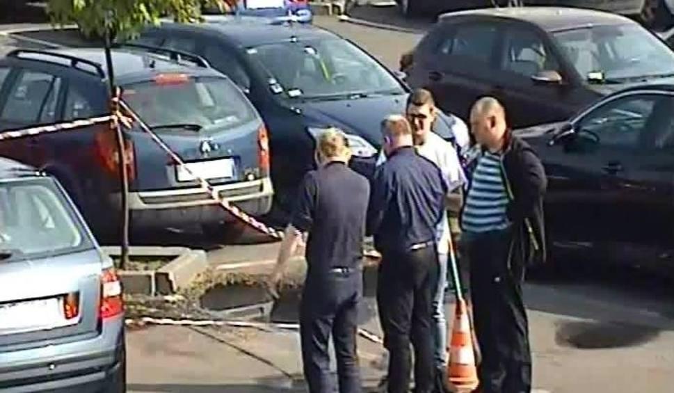 Film do artykułu: Policyjna prowokacja w Katowicach: ludzie bez zastrzeżeń pomogli pijanemu kierowcy WIDEO+ZDJĘCIA