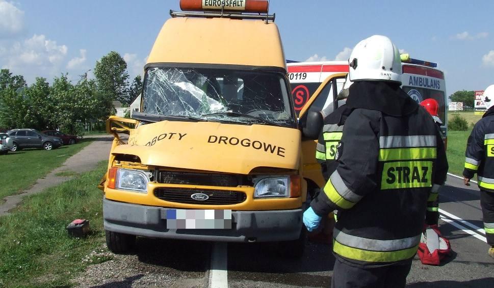 Film do artykułu: Wiercień Duży: Wypadek na DK 19. Zderzenie iveco z fordem. Dwie osoby poszkodowane