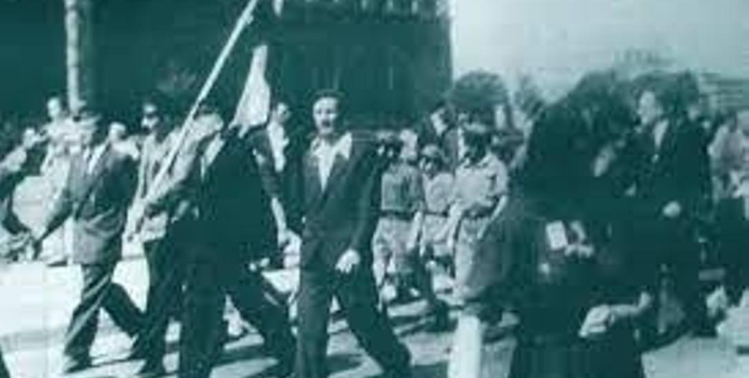 3 maja 1946 r. w Krakowie - czołówka pochodu na Alejach