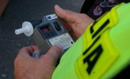 Kutno: Pijany kierowca zatrzymany dzięki świadkowi wypadku