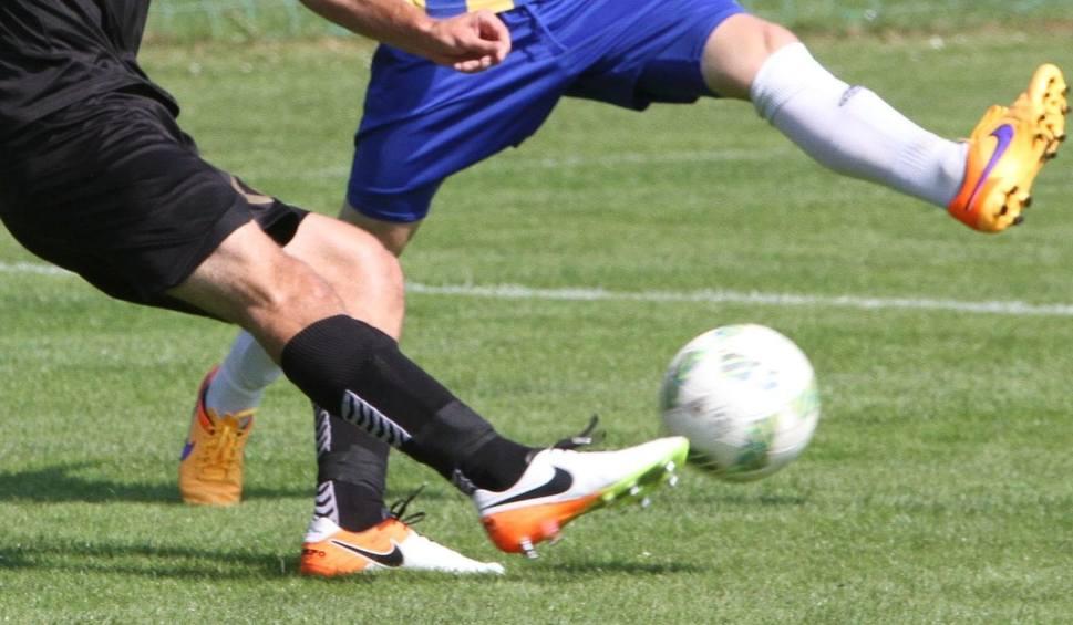 Film do artykułu: Grają piłkarskie 3 i 4 liga, okręgówka, klasy A i B [WYNIKI]