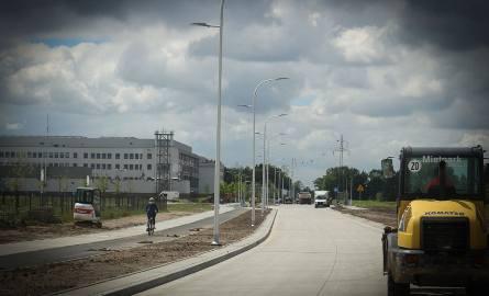 W weekend planowane jest otwarcie przedłużonej ul. Wojanowskiej i Fieldorfa. 2 września pod szpital podjadą wreszcie autobusy.