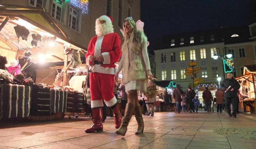 Film do artykułu: Jarmark Bożonarodzeniowy 2017 w Opolu ruszy na Rynku w sobotę 9 grudnia. Poznajcie atrakcje