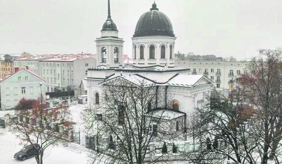 Film do artykułu: Białystok: Zima przyszła tylko na chwilę. Ale policja apeluje o ostrożność