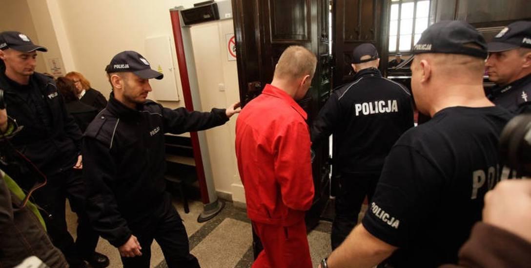 """Lubelscy prokuratorzy sami przyznają, że sprawa zabójstwa szefa PZU jest zawiła i """"wiekowa"""". Nie zamierzają jednak odpuścić"""