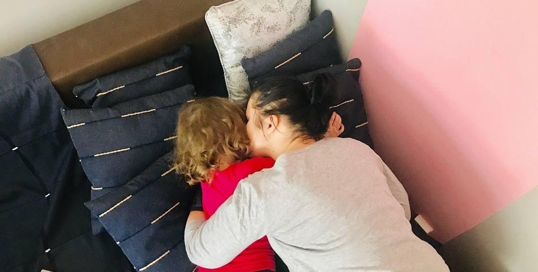 W śpiączce urodziła córkę. Teraz walczy o nią z dziadkami